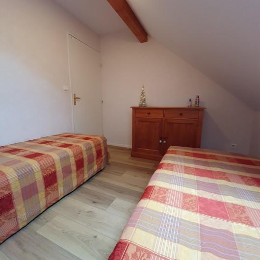 Location de vacances - Appartement à Loudenvielle - La chambre avec lits jumeaux.