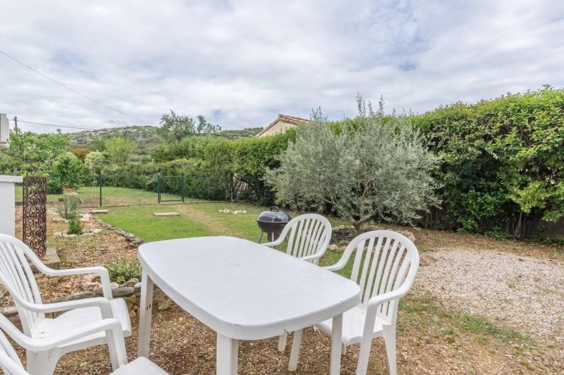 Location de vacances - Appartement à Saint-Jean-de-Fos - le coin jardin