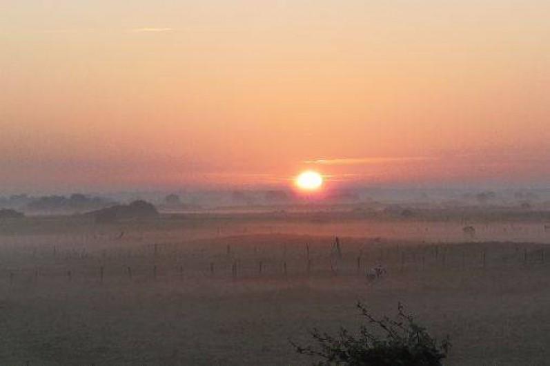 Location de vacances - Appartement à Cayeux-sur-Mer - Lever de soleil vu de la location