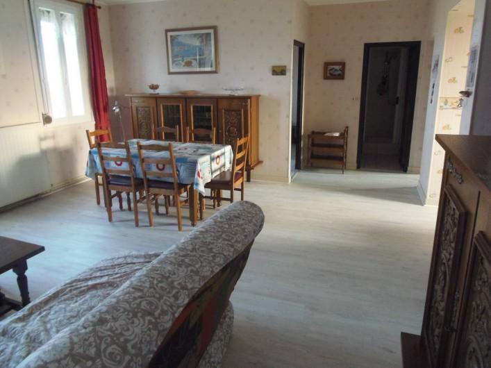 Location de vacances - Appartement à Cayeux-sur-Mer - salon salle a manger vue sur la Baie de Somme