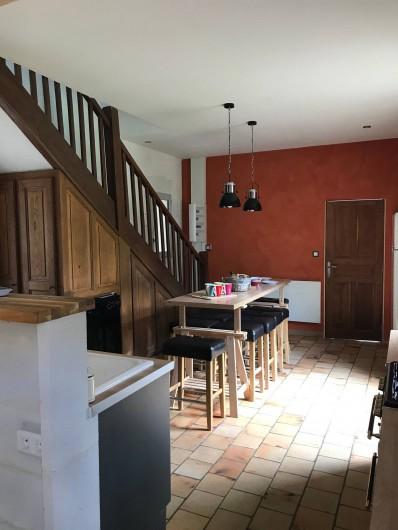 Location de vacances - Gîte à Villandry - Côté cuisine, avec grande table haute