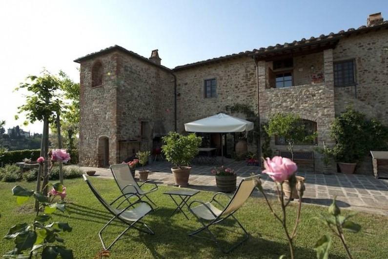 Location de vacances - Chalet à San Casciano in Val di Pesa - Front garden of the villa