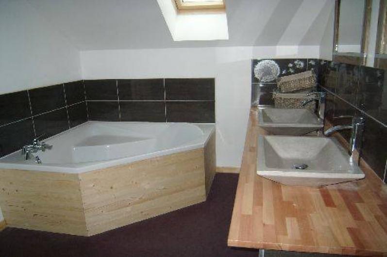 Location de vacances - Gîte à Brouvelieures - Salle de bain partie GRENIER