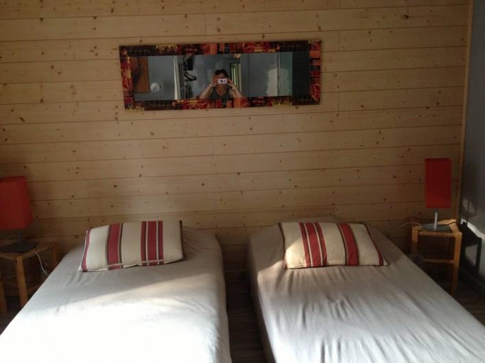 Location de vacances - Gîte à Brouvelieures - Chambre ROUGE partie MAISON