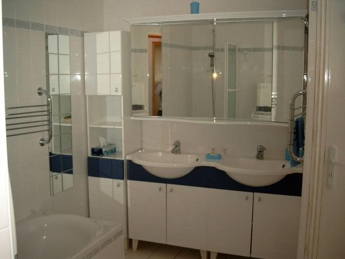 Location de vacances - Maison - Villa à Fort-Mahon-Plage - Appart n°1 Salle de bain 2 pers
