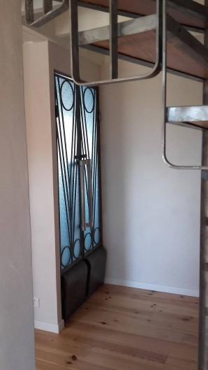 Location de vacances - Gîte à Miers - porte salle de bain 570