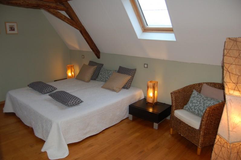 Location de vacances - Gîte à Saint-Médard-d'Excideuil - chambre 6 gîte Les Figuiers