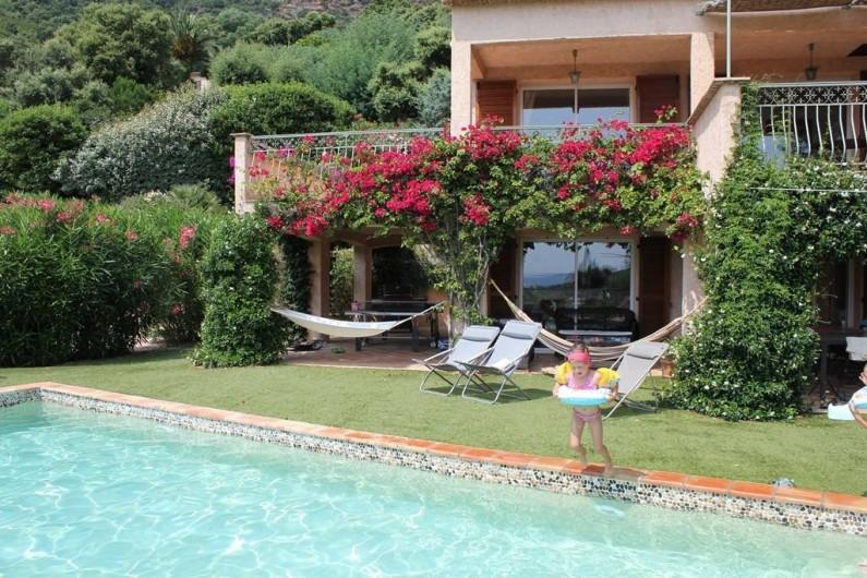 Location de vacances - Villa à Cavalaire-sur-Mer - Villa composée de deux appartements répartis sur deux étages