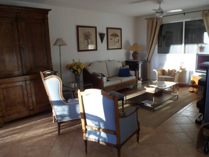 Location de vacances - Villa à Cavalaire-sur-Mer - 1er : salon