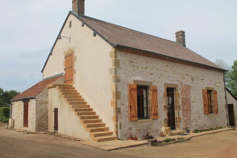 Location de vacances - Maison - Villa à Cercy-la-Tour - Façade du Gîte