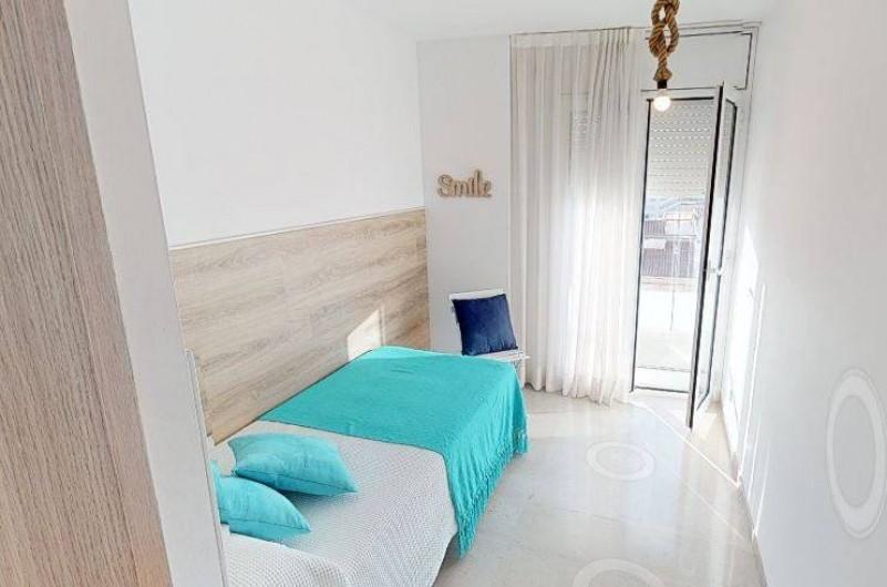 Location de vacances - Appartement à Sant Antoni de Calonge - chambre individuelle avec sortie directe au balcón-terrasse