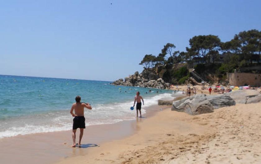 Location de vacances - Appartement à Sant Antoni de Calonge - Plages pour se promener ou faire du sport en face du l'apartement