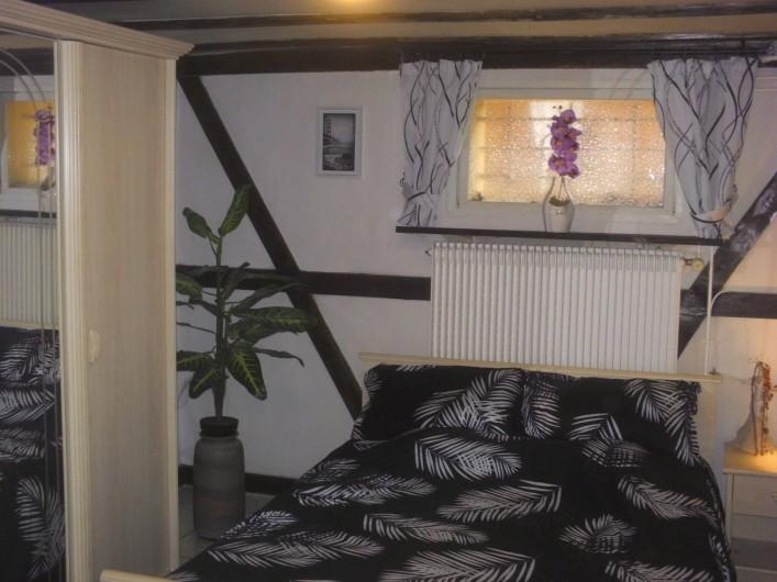 Location de vacances - Appartement à Colmar - Chambre à coucher