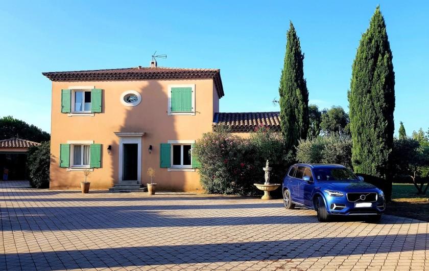 Location de vacances - Villa à Vauvert - La façade avant