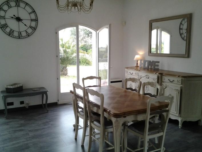 Location de vacances - Villa à Vauvert - La salle à manger