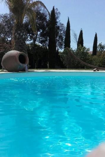 Location de vacances - Villa à Vauvert - En pleine baignade