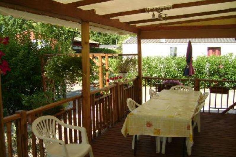 Location de vacances - Bungalow - Mobilhome à Fréjus - la terrasse    7 mts  sur 2,50 mts