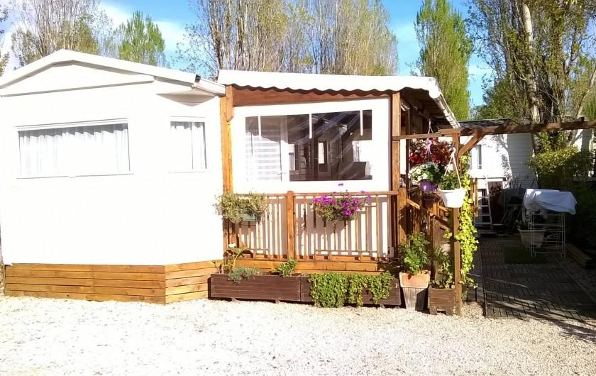 Location de vacances - Bungalow - Mobilhome à Fréjus - l'emplacement Mobil home et terrasse