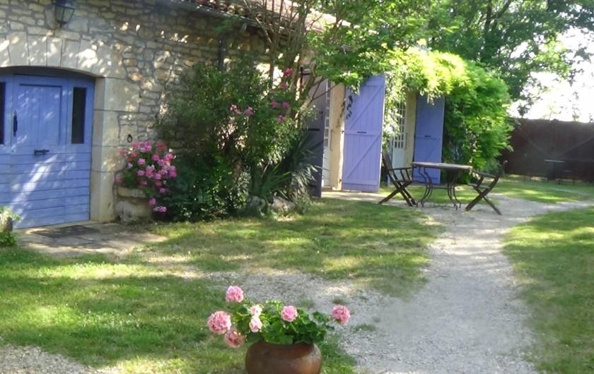 Location de vacances - Chambre d'hôtes à Cremps - maison coté jardin