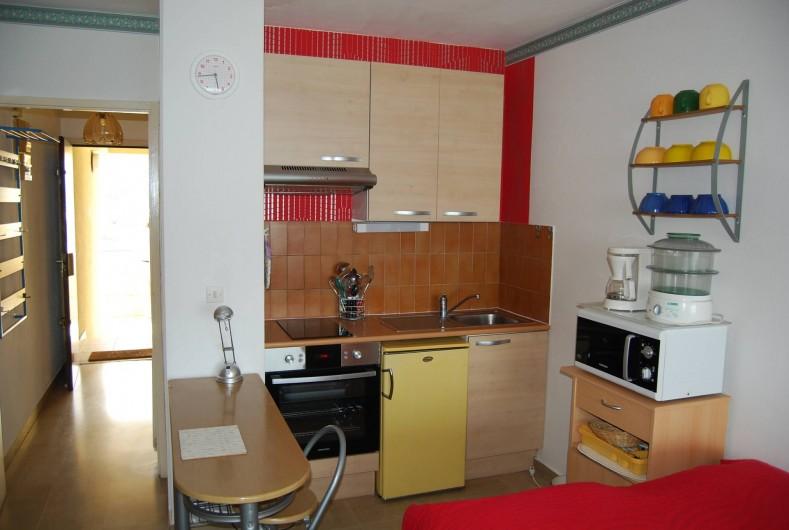 Location de vacances - Studio à Cannes la Bocca - cuisine équiper