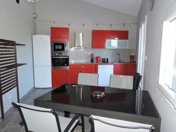 Location de vacances - Appartement à Divajeu - cuisine américaine
