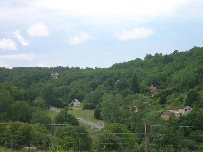 Location de vacances - Bungalow - Mobilhome à Le Buisson-de-Cadouin - Le paysage en arrivant sur notre parking