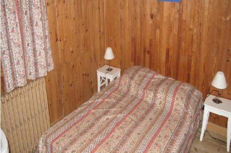 Location de vacances - Chalet à Les Gets - CHAMBRE COUPLE  - 2ème étage - Lit  en 140*190  Couette 220*220