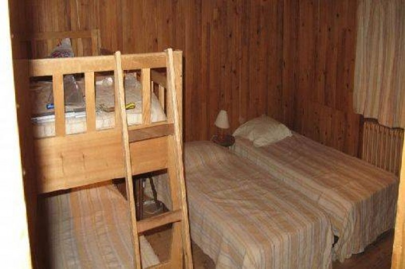 Location de vacances - Chalet à Les Gets - CHAMBRE 4 LITS - 2ème étage - 80*190  dont 2 accolables - 4 couettes 200*200 -