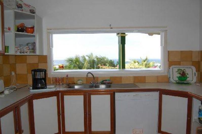 Location de vacances - Villa à Saint-François - Cuisine entièrement équipée, vue mer.