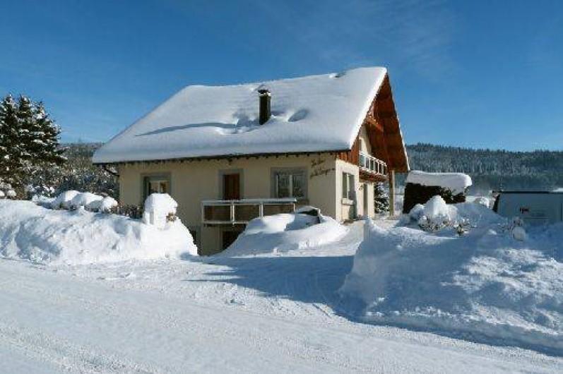 Location de vacances - Gîte à Les Fins - Le gîte en hiver