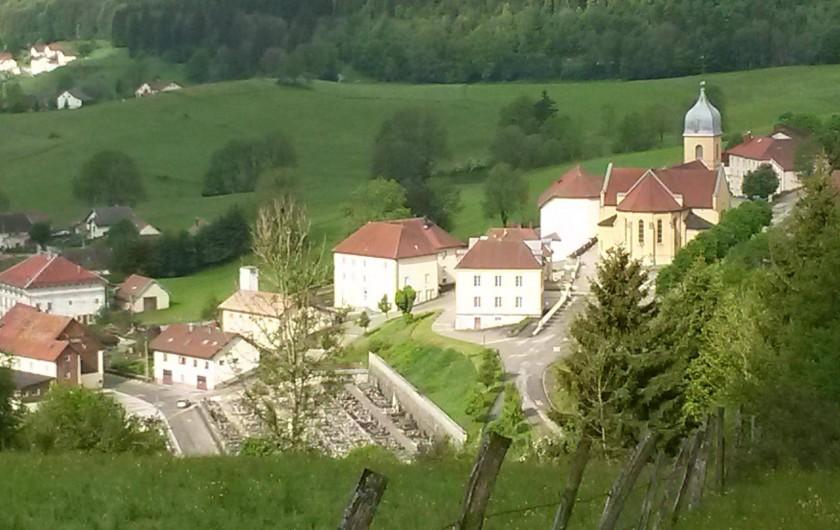 Location de vacances - Gîte à Les Fins - le centre du village