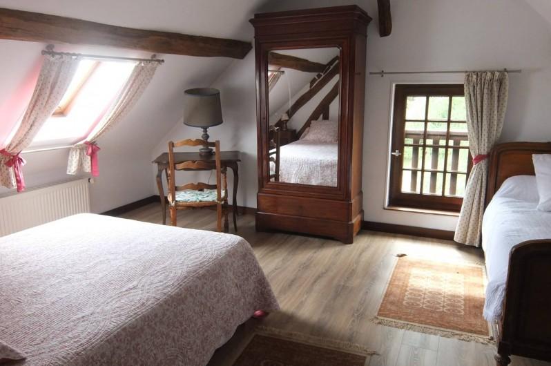 Location de vacances - Gîte à Souesmes - chambre lit double + lit 1 personne
