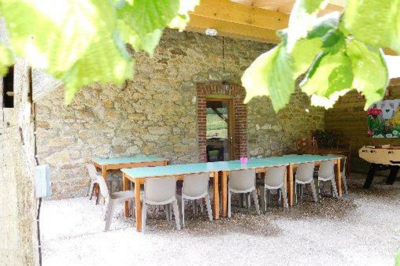 Location de vacances - Gîte à Anor - La terrasse couverte