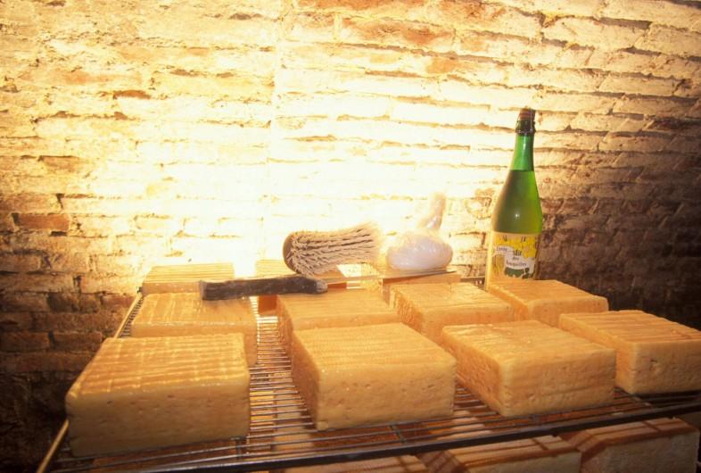 Location de vacances - Gîte à Anor - Vente produits du terroir à 10MN