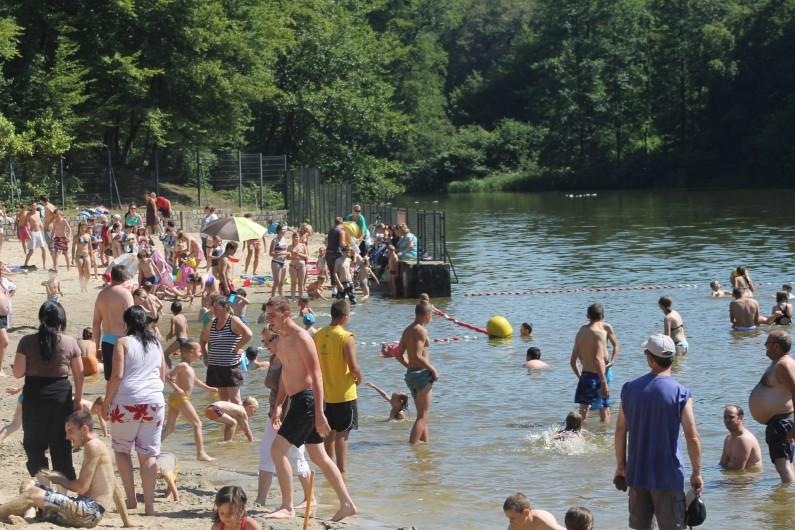 Location de vacances - Gîte à Anor - Le site des étangs des moines à 10MN du gite .