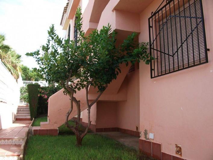 Location de vacances - Appartement à Puerto de Mazarrón - cour passage derrière pour la piscine