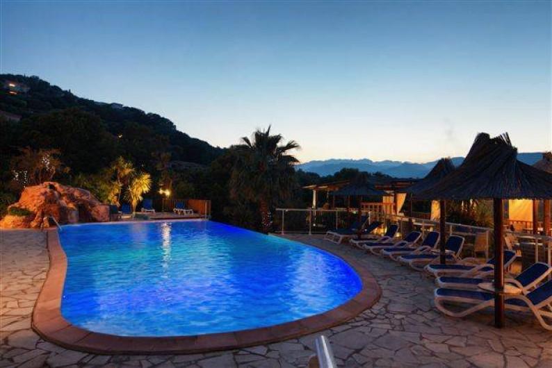 Location de vacances - Bungalow - Mobilhome à Sainte-Lucie de Porto-Vecchio - piscine