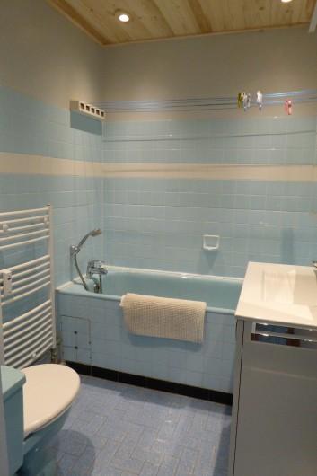 Location de vacances - Appartement à Lans-en-Vercors - Coté Prairie salle de bains