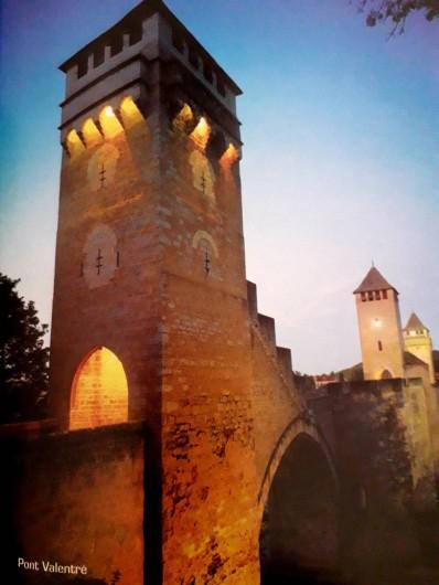 Location de vacances - Gîte à Lendou-en-Quercy - pont valentré à Cahors patrimoine de l'Unesco