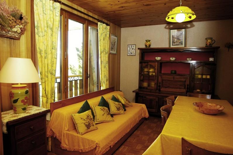 Location de vacances - Appartement à Fontcouverte-la-Toussuire - salon- salle à manger