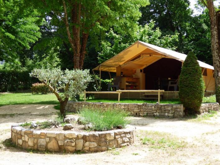 Location de vacances - Camping à Salavas - Tente équipée vue rivière