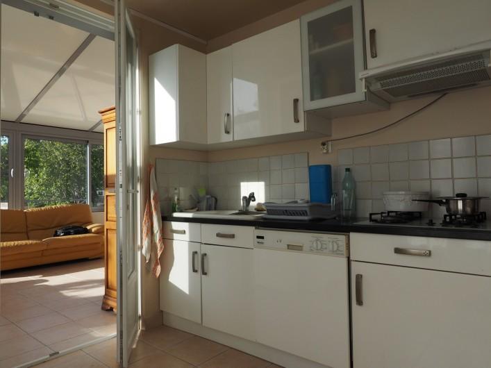 Location de vacances - Appartement à Merville-Franceville-Plage - Cuisine