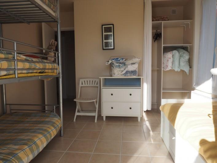 Location de vacances - Appartement à Merville-Franceville-Plage - Chambre enfants lit superposé 3 étages, 1 lit simple 80/190