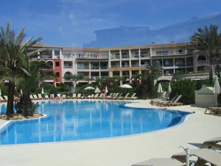"""Location de vacances - Appartement à Roquebrune-sur-Argens - Résidence """"les calanques"""""""