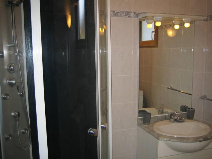 Location de vacances - Appartement à Guillestre - Salle de douche