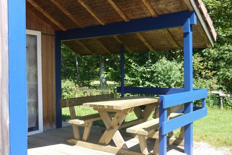 Location de vacances - Chalet à Foncine-le-Haut - Terrasse abritée
