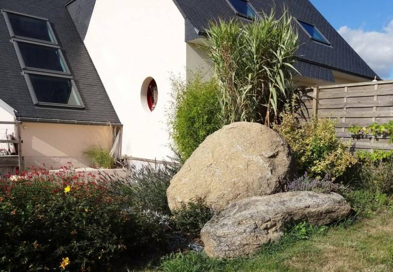Location de vacances - Gîte à Concarneau - belle assise sur ces rochers ..he oui