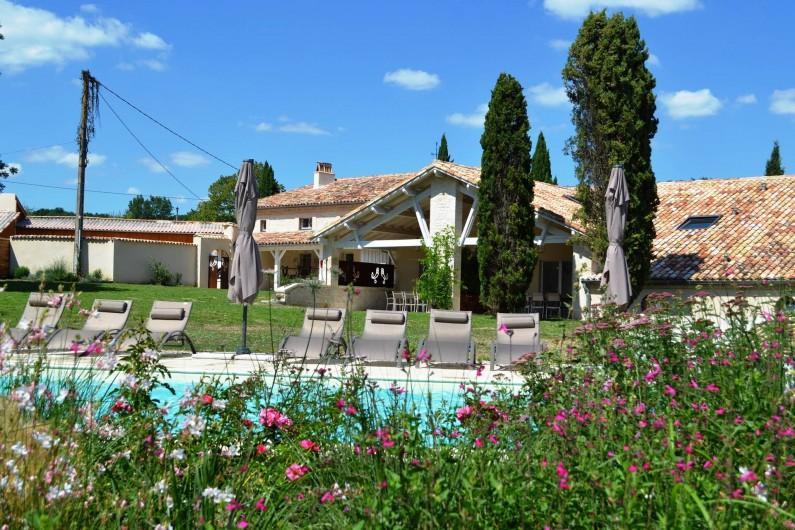 Location de vacances - Gîte à Lougratte - piscine et parc
