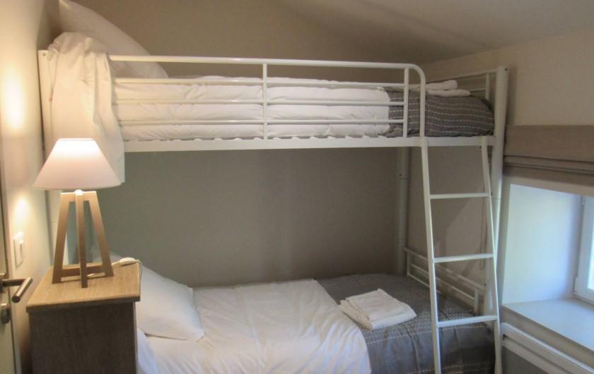 Location de vacances - Gîte à Lougratte - Chambre avec lit  superposé