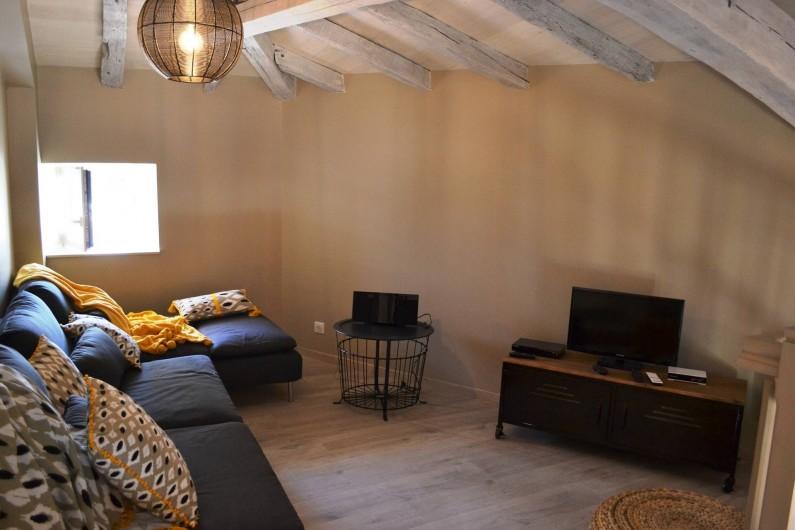 Location de vacances - Gîte à Lougratte - salon à l'étage avec lecteur DVD, Télevision, Hifi